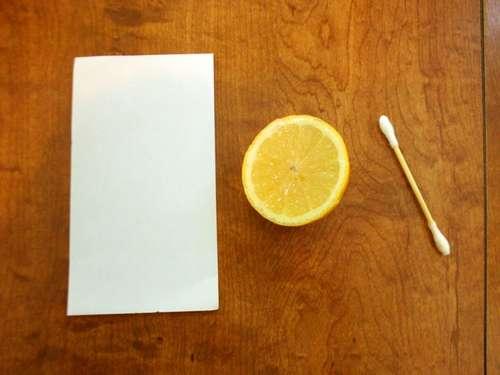 Materiale pentru experimentul cerneala invizibila